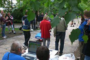 Die ersten Teilnehmer gehen an den Start